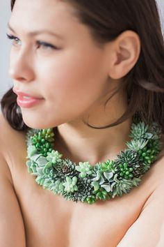 Gorgeous, statement necklace made with real live succulents and brass jewelry bases. Wear and enjoy for 2-4 weeks, then gently remove the