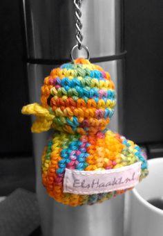 Sleutelhanger eendje met mijn eigen ElsHaakt label! #trots #elshaakt