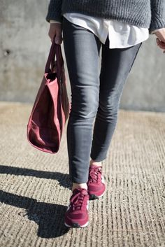 New Balance sneakers – Tennis Shoe Outfit Winter Casual Winter Outfits, Chic Outfits, Summer Outfits, Outfit Winter, Fashion Outfits, High Top Tennis Shoes, Tennis Shoes Outfit, Nike Fashion, Womens Fashion