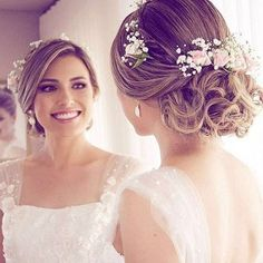 Textured wedding updo hairstyle ,messy updo wedding hairstyles ,chignon , messy updo hairstyles ,bridal updo On Wedding Updo Hairstyle Wedding Updo Hairstyle Lace up hairstyle of the wedding The post Wedding Updo Hairstyle appeared first on 2019 FRİSUREN Wedding Hairstyles For Women, Bride Hairstyles, Hairstyle Wedding, Blonde Wedding Hairstyles, Pretty Hairstyles, Hairstyles Videos, Formal Hairstyles, Bridesmaid Hair, Prom Hair