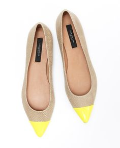 Ann Taylor is not my retail preference of stores but the 'Elizabeth' Pointy Flat... I need!