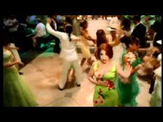 Gloria Estefan - No Me Dejes de Querer (Official Music Video)