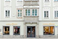 Housed in a 15th century listed building, Motel One's latest property has 111 rooms and offers impressive views of the central Hauptplatz square and Old Town Hall.vThe historic façade of the new hotel belies the seamless blend of traditional and modern styling within.vTaking inspiration from the city itself, unique objects from the past meet modern design and one-of-a-kind pieces to create a truly bespoke modern industrial aesthetic.