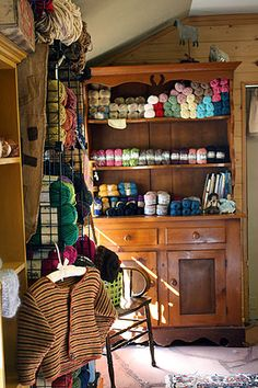 the pine yarn shop pine arizona - ahh, yarn shops and horse barns, two of my favorite places to be. Yarn Display, Craft Booth Displays, Sewing Room Storage, Yarn Storage, Wool Shop, Yarn Shop, Yarn Organization, Yarn Stash, Knitting Yarn