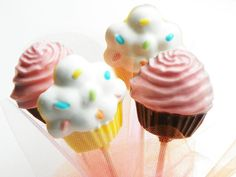 Cupcakes chocolate lollipops