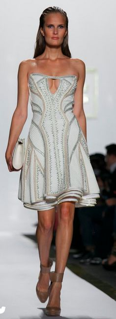 Herve Leger - Absolutely gorgeous Herve Leger Dress, Couture Dresses, Max  Azria, Spring ed1cbcf020