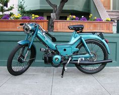 If I was ever gutsy enough to own a moped, this would be my dream baby