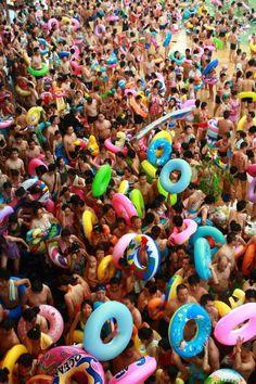Drukste_zwembad_ter_wereld_2