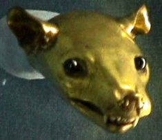 1500s; Marten head with gold ears and glass eyes London Museum and Gallery Renaissance Fashion, Renesanssi, Rennes