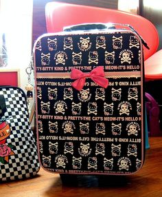 Hello Kitty suitcase for when I ship her to Aunt Lorrie Hello Kitty Suitcase, Hello Kitty Bag, Here Kitty Kitty, Pretty Kitty, Pretty Cats, Hello Kitty Handbags, Pack Your Bags, Makeup Bags, Precious Moments