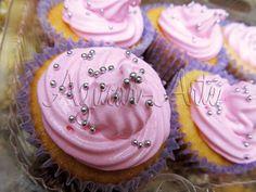 Pink cupcakes www.azucar-arte.com.ar