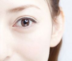 目の周りの筋肉である「眼輪筋」を鍛えることで、ぱっちりeyeを作ることが出来るんです!たるみやシワにも効果的ですよ。