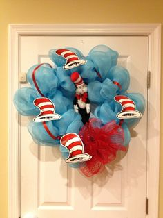 Cat in the hat wreath