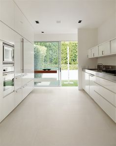Porcelain stoneware floor #tiles with resin effect CONCEPT by CERAMICA SANT'AGOSTINO #kitchen @sant_agostino