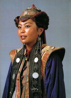 Women' from the West Mongolian Urjanchaj.| National Museum of Mongolia Urjanchai, Ulan Bator
