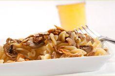 Fusilli alle mandorle e funghi #Star #ricette #fusilli #mandorle #funghi #food #recipes