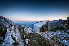 mahabis retreats // the air-lifted slovenian alpine shelter