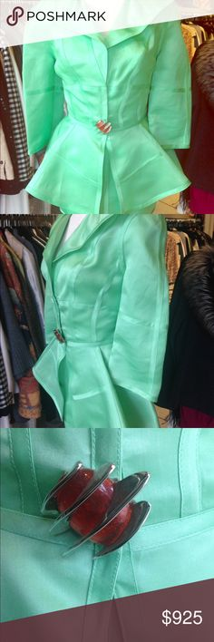 Vintage Thierry mugler rare suit Omg !!! The color and style are to die for very rare piece and if you are a girl who wants to stop the show here you are thierry mugler Other