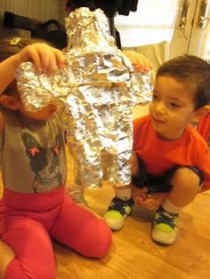 Build Your Own Robot craft for preschoolers sensory craft includes crinkly, cool foil wrap!