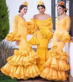 Spanish style – Mediterranean Home Decor Spanish Dress, Spanish Style, Spanish Dance, Flamenco Dancers, Flamenco Dresses, Dance Dresses, Look 2015, Flamingo Dress, Lemon Yellow