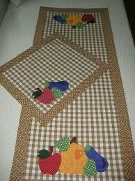 Table Runner And Placemats, Table Runner Pattern, Quilted Table Runners, Crochet Waffle Stitch, Sewing Crafts, Sewing Projects, Boy Quilts, Mug Rugs, Gifts For Family