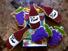 Wine bottle cookies...a perfect compliment to wine glass cookies. Pic by nancirules