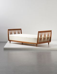 View Daybed by Guglielmo Ulrich sold at Design on London Auction 29 April 2014 Learn more about the piece and artist, and its final selling price Deck Furniture Layout, Metal Patio Furniture, Black Bedroom Furniture, Deco Furniture, Wicker Furniture, Unique Furniture, Vintage Furniture, Home Furniture, Furniture Design