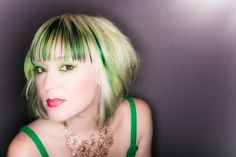haircut, hair color, hairstyle, green, blonde, short, bob, wedge, bangs, fringe || Stylist: Chris Martin