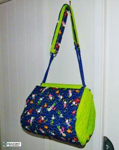 Cute Blue/Green bag Green Bag, Blue Green, My Sewing Room, Diaper Bag, Shoulder Bag, Cute, How To Make, Bags, Scrappy Quilts