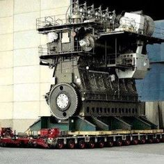 Worlds Largest Diesel Engine Wärtsilä-Sulzer RTA96-C, BHP - 109,000, 40 Feet Tall & 90 Feet Long. Fitted in Emma Marsk Ship.