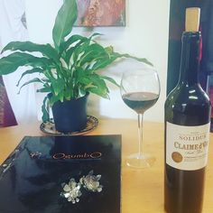 Here comes a new fave on my list....hints of blackberry strawberry and mulberry with some spice and liquorice adding to it's elegant easy complexity. I am enjoying my 2012 Solidus Cabernet Sauvignon Claime D'or. Thankyouuu @nadeema.kahan  Happy Friday World! #wine #wineonmymind #workandwine  #wineandwork #wineandfashion  #fashionandwine #wineonmytime #winelover #kenforrester #wine #stellenboschwine #lovewines #wine #winelife #winelifestyle
