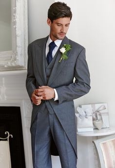 Wedding suit for the groom. Great for formal evening wedding. Wedding Men, Wedding Suits, Wedding Attire, Groom And Groomsmen Outfits, Groom Attire, Groom Tuxedo, Groom Looks, Mens Attire, Groom Style