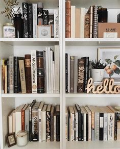 How to have a stylish bookshelf? Have 7 copies of The Night Circus Bookshelf Styling, Book Aesthetic, Home And Deco, Shabby Vintage, Book Photography, My New Room, Love Book, Room Inspiration, Book Worms
