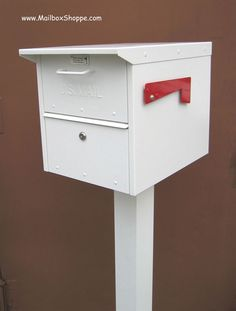 Roadside mailboxes can be mounted on bolt down or in-ground posts. They can also be mounted in columns, masonry or walls. Rural Mailbox Ideas, Mailbox Installation, Palm Springs Mid Century Modern, Mounted Mailbox, Curb Appeal, Home Remodeling, Mid-century Modern, Cool Designs, New Homes