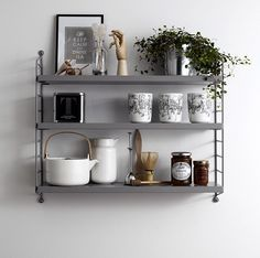 Hervorragend The Classic String Shelving System Designed By Nils Strinning In The String  Pocket Shelving, Made From Powder Coated Steel U0026 Wood, In Grey