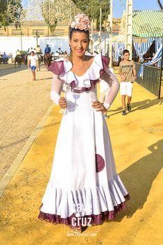 Flamenco Dresses, Mardi Gras Costumes, Dressy Dresses, Western Dresses, Granada, Folklore, Beautiful Places, Barbie, Wedding