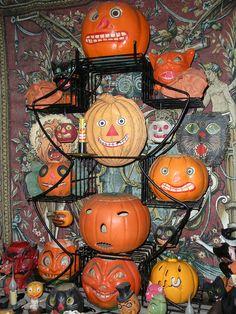 The Pumpkin Totem, Halloween 2012 by ghostofhalloweenspast, via Flickr