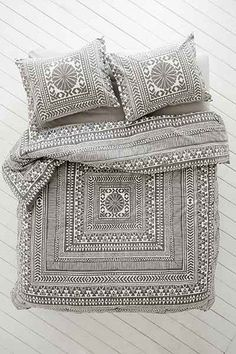 Magical Thinking Durga Comforter - Urban Outfitters
