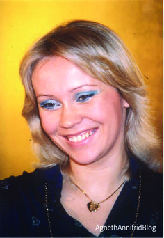 'Agnetha's most dazzling smile' thread..and about time, too! - Seite 41 | www.abba4ever.com
