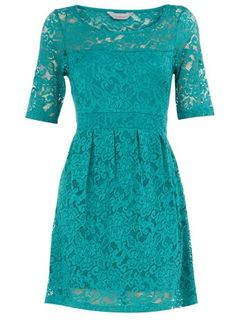 turquoise lace. can't you just see this with a string of pearls with a pair of awesome cowboy boots? I CAN!