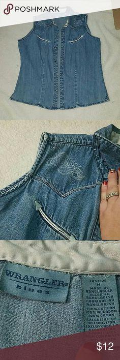 Jean wrangler blues vest Jean wrangler blues western country vest type snap shirt  size med Wrangler Tops