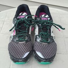 Gel Noosa Tri 8 Asics Sneakers Asics with bright green and gray design. Some camo features. Great for running EUC. Very comfortable. Fits like a W's 9.5 asics Shoes Sneakers