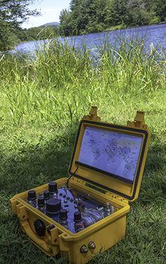 portable, solar powered HAM radio by RadioSetGO