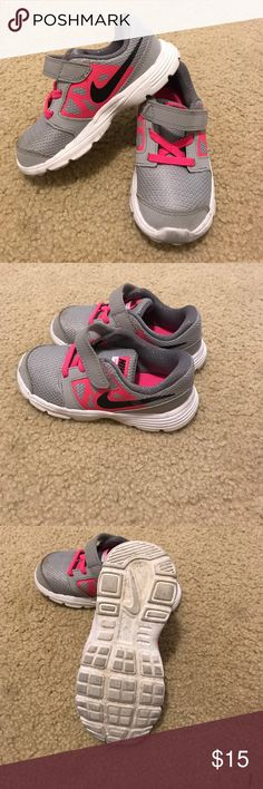 Girl's Nike shoes Size 9 girl's Nike shoes. Nike Shoes Sneakers