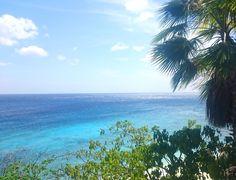 Een prachtig strand in het westen van Curacao.