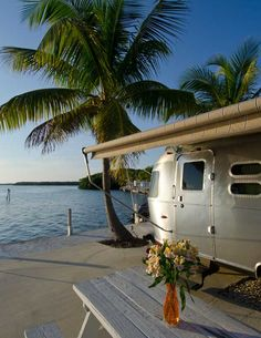 Doing a little Airstream Glamping in the sunshine state of Florida! Who ever said to get outside that you had to sleep on the ground?