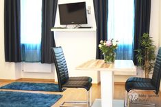 Booking.com: Ferienwohnung checkVIENNA – Enenkelstrasse , Wien, Österreich - 285 Gästebewertungen . Buchen Sie jetzt Ihr Hotel! Vienna Hotel, Holiday Apartments, Floor Chair, Flooring, Furniture, Home Decor, Marble Floor, Nice Apartments, Modern Interiors