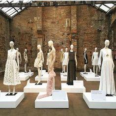WEBSTA @ in.lovemark - MANNEQUIN CREW.#fashion #retail #visualmerchandising #instore #design #windowdisplay