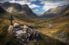 Majestically awesome photograph of Glen Coe in autumnal colours.  #Scotland #photography @deenasjoint
