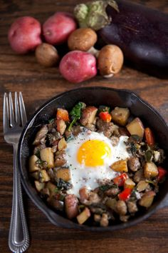 Farmers Market Hash with Baked Eggs // @HealthyDelish